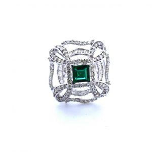High Fashionable Diamond Ring